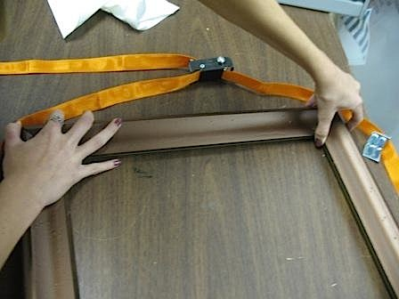 All about imitation wood picture frames
